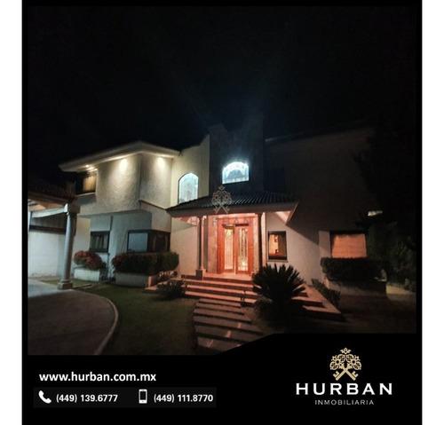 Hurban Vende Casa En La Herradura.