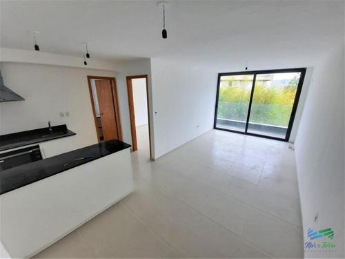 Vendo Hermoso Apartamento 1 Dormitorio En Playa Mansa, Punta Del Este- Ref: 3317