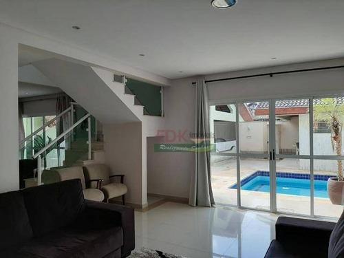 Imagem 1 de 8 de Sobrado Com 3 Dormitórios À Venda, 280 M² Por R$ 695.000 - Vila Santos - Caçapava/sp - So1693