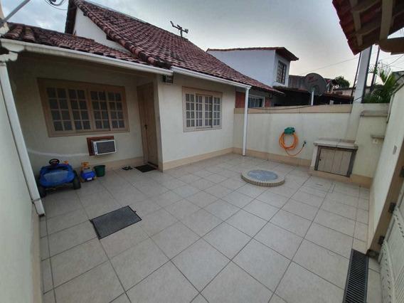 Casa Em Condomínio 2 Quartos + 2 Banheiros (1 Suíte)