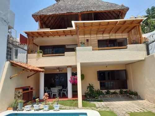 Casa Sola En Venta En Fracc. Costa Azul