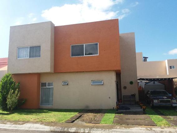 Casa De 4 Recamaras Y 3 1/2 Baños, Sala De Tv, Areas Comunes