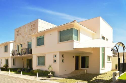 Casa En Venta En Metepec, Excelente Ubiciacion