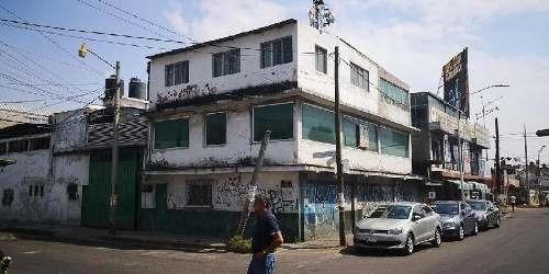 Bodega En Renta En Ciudad Nezahualcoyotl, 520m2 De Superficie, Con Oficinas.