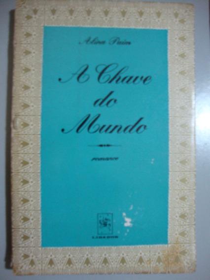 Livro A Chave Do Mundo - Alina Paim