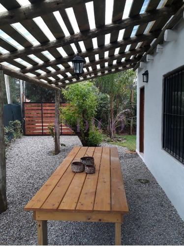 Muy Buena Casa En Alquiler En La Barra.- Ref: 376