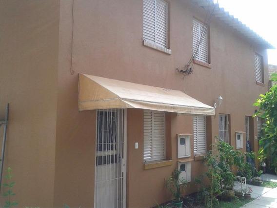 Sobrado Dois Dormitórios R$ 75mil Entrada + 430,00 Mês, Guarujá, Porto Alegre. - So0634