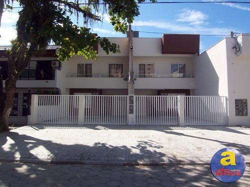 Imagem 1 de 17 de Sobrado Novo Para Locação De Temporada Em Guaratuba/pr - Imobiliária África - So00103 - 32002298