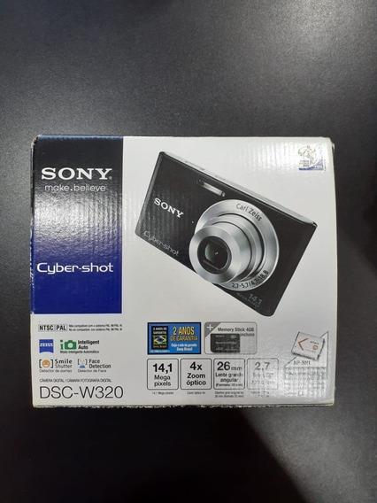 Câmera Fotográfica Digital - Nova