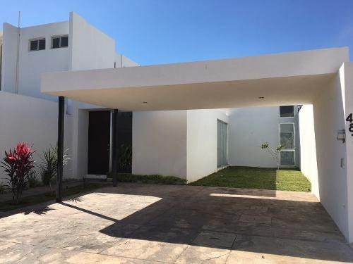 Casa En Venta De Una Planta, Privada En Dzitya. Cv-5315