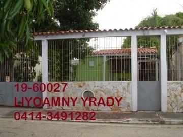 Casa En Venta Paraparal Los Guayos 19-60027