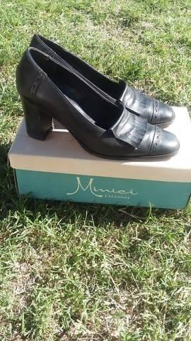 Zapato Nº 38 Maggio Rossetto Color Negro