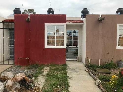 Casa En Venta En El Fraccionamiento Las Lilas