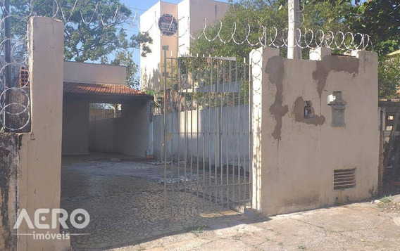 Residencia Com Excelente Localização Contendo 02 Dormitórios - Ca1794
