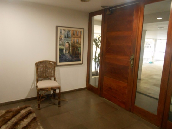 Apartamento Em Petrópolis Com 3 Dormitórios - Cs36005661