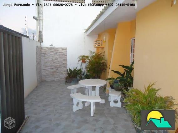 Casa Para Venda Em Maceió, Santa Lúcia, 3 Dormitórios, 1 Suíte, 2 Banheiros, 2 Vagas - C-0010