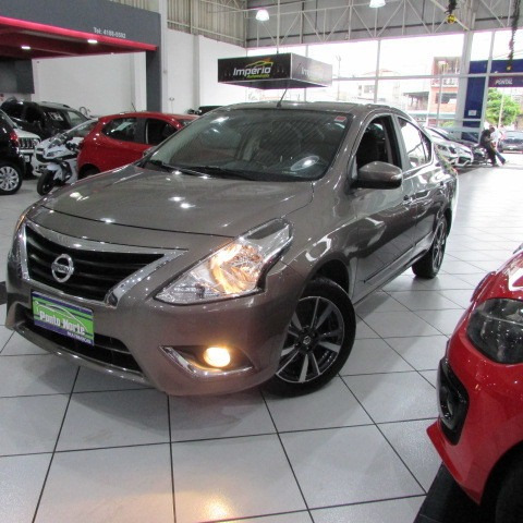 Versa 1.6 Unique Xtronic 2018 Cinza