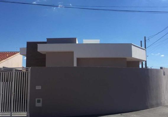 Venda De Casas / Padrão Na Cidade De Araraquara 9430