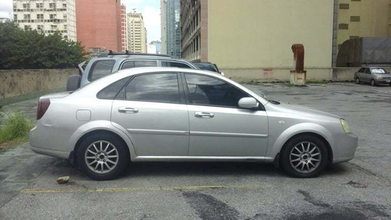 Chevrolet Optra Año 2006 Color Plata Tipo Sedan