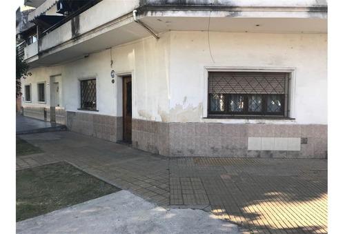 Ph En Venta Patio Y Terraza A 1 Cuadra Av. Belgrano.