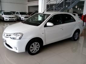 Toyota Etios Sedan Xs 1.5 Flex 2017 Branco