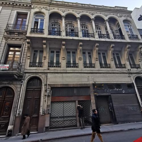 Imagen 1 de 14 de Venta De Edificio En Ciudad  Vieja 1400 M2