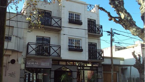 Local Comercial Con Blindex ,persiana ,patio, Ramos Mejia