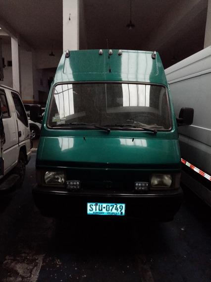 Micro Bus Nissan Trade 100 Turbo Diesel 3.0 Stu 15 Pasajero