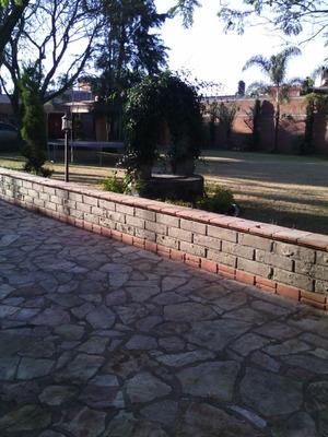 Residencia En Venta. Rafael Avila Camacho Calle Rio Sabinas Norte #420 San Pedro Cholula; Pue.