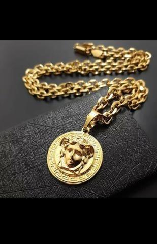 Cordão Versace Medusa Cartier Pingente Banhada Ouro