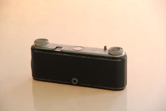 Câmera Antiga Iloca Stereo Ii (3d ) Artigo Para Colecionador