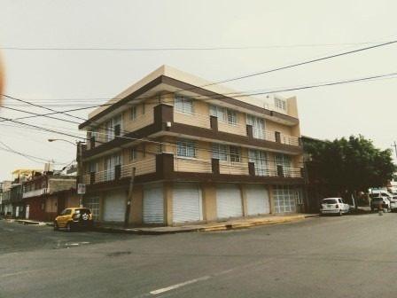 Departamento Acabados De Lujo, Muy Iluminado, Con Balcones, Col. Maravillas