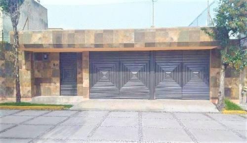 Casa En Venta Remodelada En Col. Cipres En Toluca Estado De México