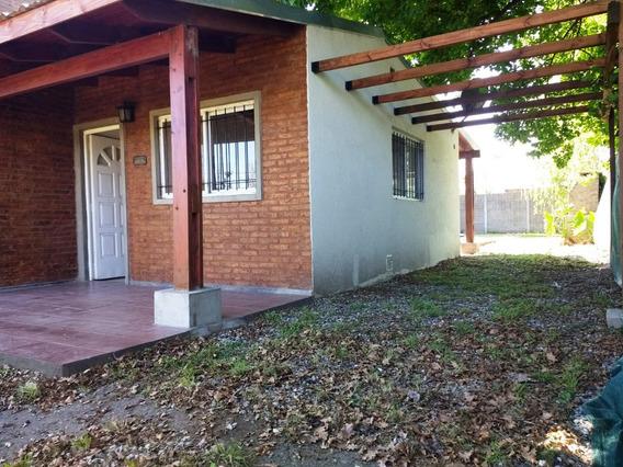 Funes. Casa, 2 Dormitorios, Pileta, Jardín. Financiación