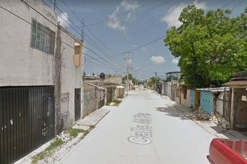 Remate Bancario En Calle Uno 28 Smz. 208