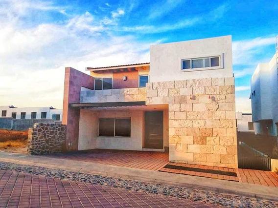 Casa En Renta Con En La Vista Residencial Privada Alberca