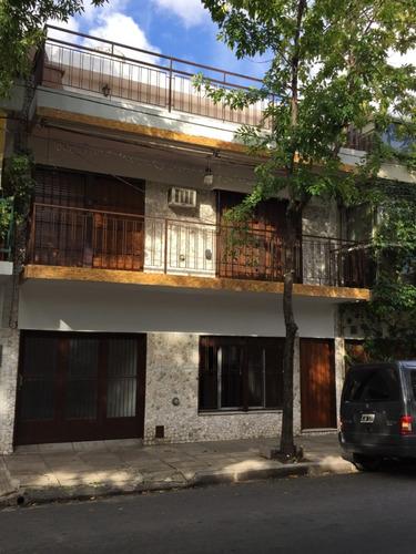 Casa En Triplex 6 Ambientes Cochera - Terraza - Parrilla