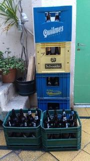 Cajón De Cerveza Con Botellas Vacías