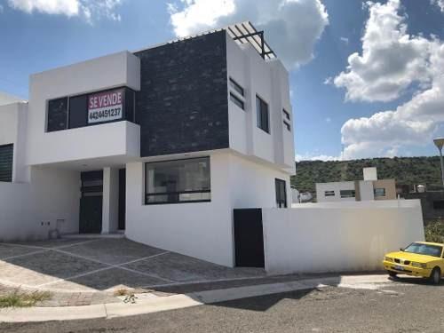 Residencia En Punta Esmeralda, Esquina, Roof Garden, 3 Recamaras, Hermosa Vista
