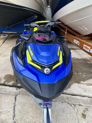 Jet Ski Seadoo Wake Pro 230