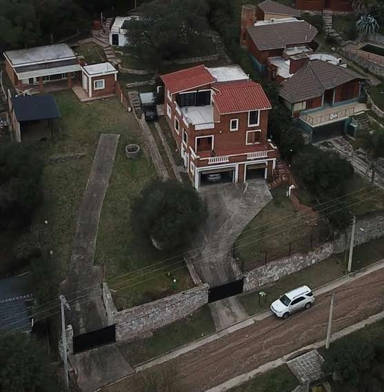 Vendo Importante Casa 7 Ambientes, 3 Baños, Pileta, Quincho