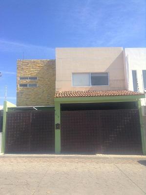 Casa En Venta En Querétaro, Milenio Iii. Solo Inversionistas (se Encuentra Rentada).