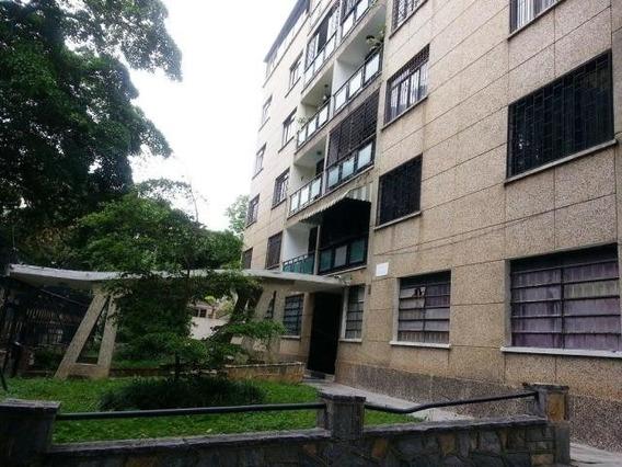 Fabuloso Apartamento Original, Con Excelente Potencial!
