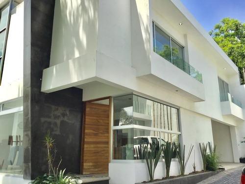 Preciosa Casa En Fraccionamiento Privado En Cuernavaca