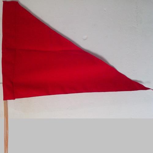 Imagem 1 de 7 de Kit 10 Bandeiras Triangulo Sem Mastro 0,75 X 0,50 Cm