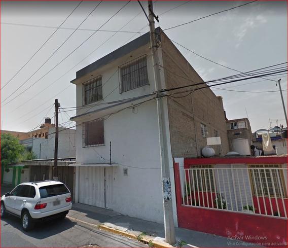 Oportunidad En Invertir En Amplia Casa En Ctm Aragon