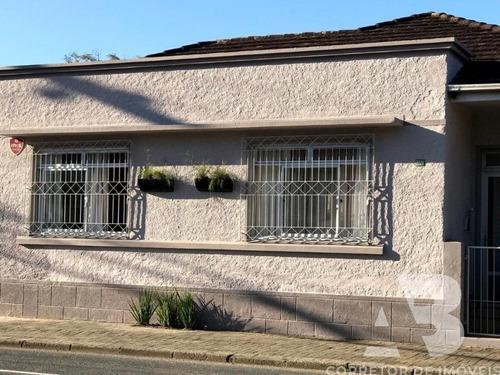 Imagem 1 de 2 de Casa Em Blumenau, 02 Dormitórios, Churrasqueira, Jardim, Churrasqueira, 03 Vagas, Terreno Medindo 1.241,17m², Bairro Itoupava Seca, Sc. - Ca00034 - 69683435
