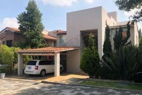 Residencia En Venta Ubicada En Las Aguilas Parte Baja $18,500,000mdp Muy Buena Ubicación A Sólo 5 Minutos De Periférico.