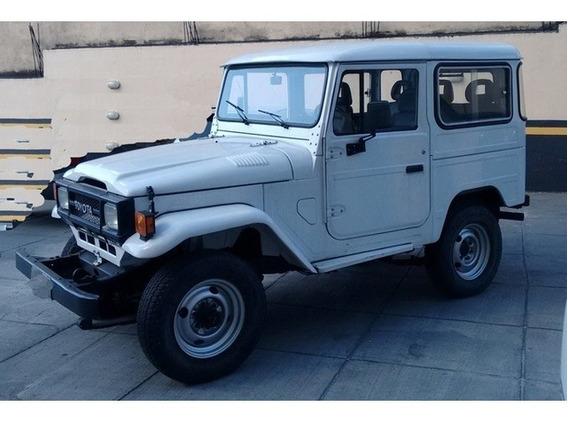 Toyota Bandeirante 3.7 Branco 4x4 Teto Rigido Diesel 2p 1991
