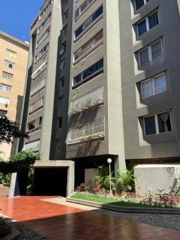 Apartamento En Venta Los Palos Grandes / Ar / 20-6623